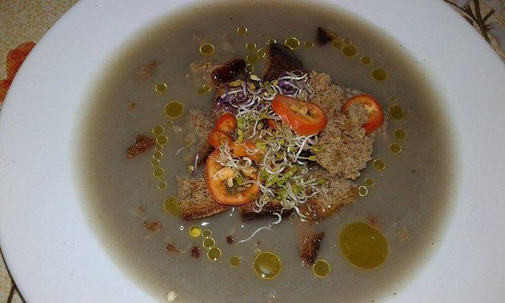 Supa crema de praz – vegancugust #retetevegane, #retetedepost, O combinatie de vitamine si antioxidanti. O supa gustoasa intr-o zi racoroasa de toamna.