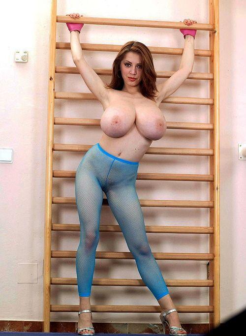 Anya Huge Tits 114
