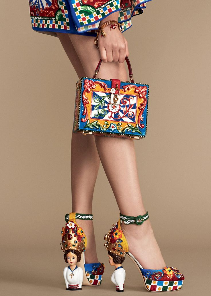 Get inspired by Dolce & Gabbana Women's Carretto Siciliano Collection Summer 2016. Im obssed with these handbag and shoes