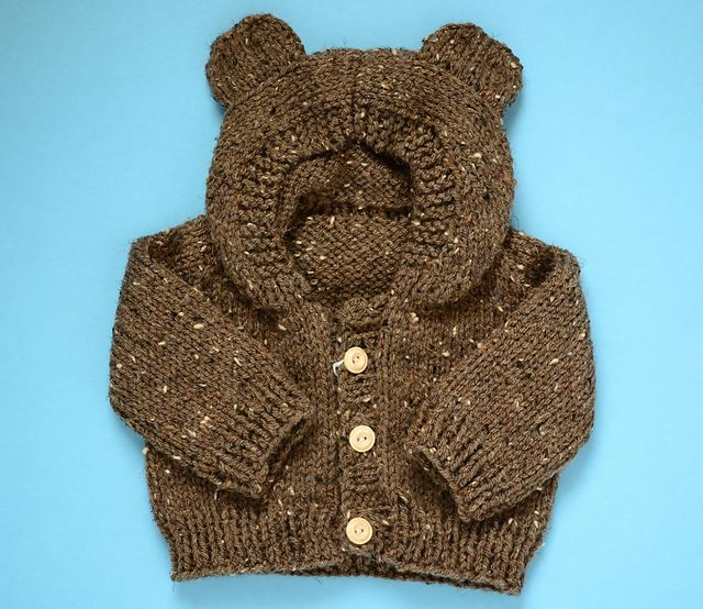 Free knitting pattern : Toddler Bear Hoodie.