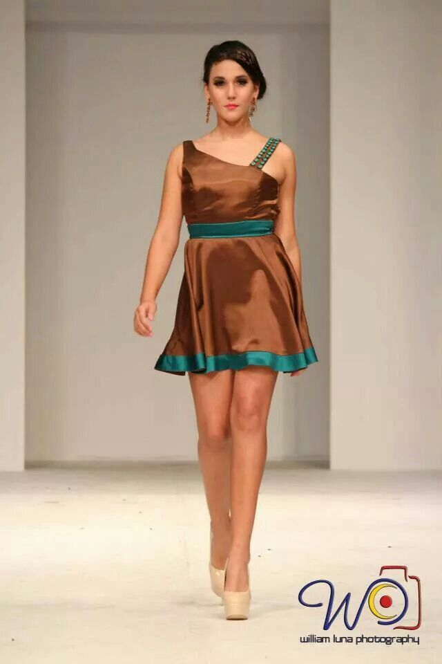 short dress by Rebeca Ruiz Galloza. Rasgos Collection