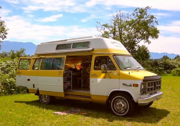 Woman Living In A Van For 3 Years To Save Money And Travel The