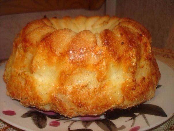 Бесподобный хлеб с сыром и чесноком!   Давно этот рецепт лежал у меня в закладочках.И вот,наконец-то я до него добралась.И чего я раньше не приготовила его. Вкус и аромат потрясающий.Попробуйте.