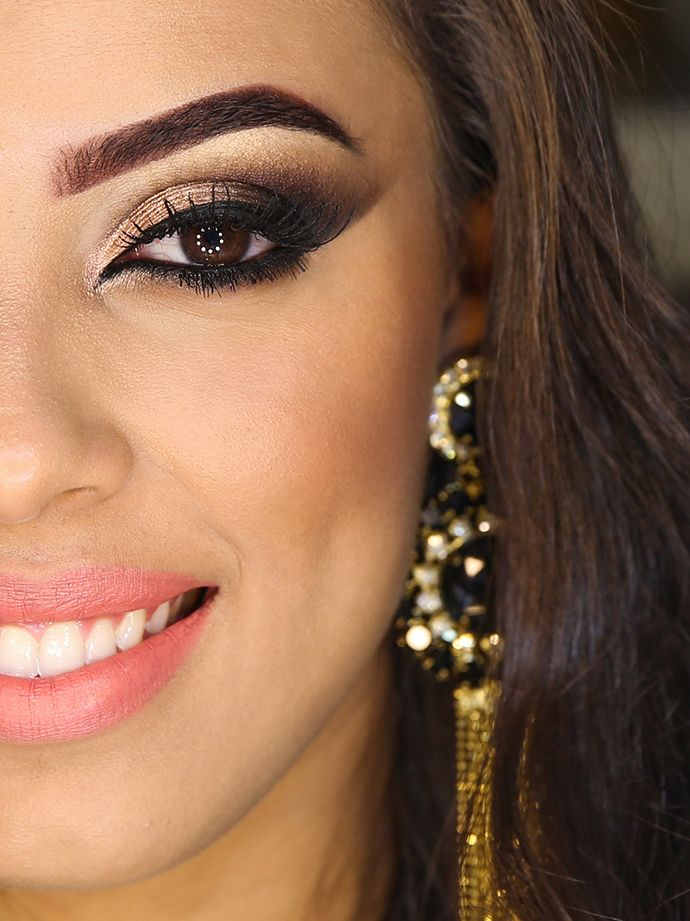 Tutorial – cat eyes poderoso com batom coral