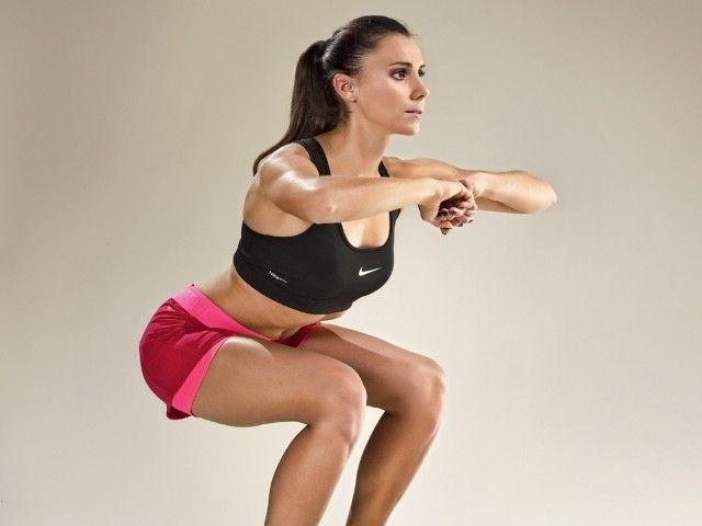 Przysiad czyni uda: jak poprawnie wykonywać squaty