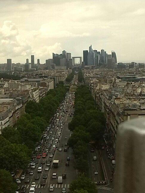 Wiew from top of l'Arc... la Défanse #ParisByDay
