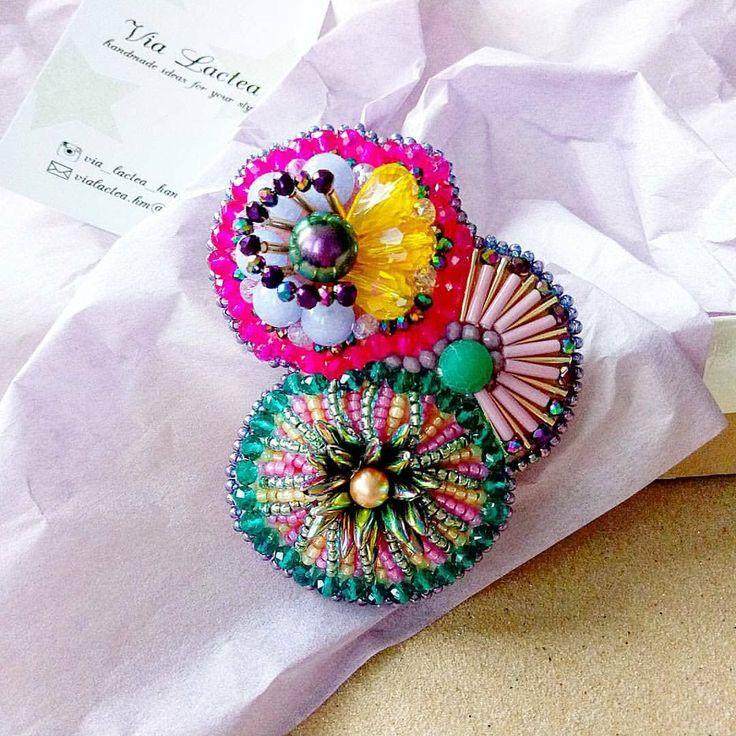 Автор @via_lactea_handmade 〰〰〰〰〰〰〰〰〰〰〰〰〰〰 По всем вопросам обращайтесь к авторам изделий!!! #ручнаяработа #брошьизбисера #брошьручнойработы #вышивкабисером #мастер #бисер #handmade_prostor #handmadejewelry #brooch #beads #crystal #embroidery #swarovskicrystals #swarovski #купитьброшь #украшенияручнойработы #handmade #handemroidery #брошь #кольеручнойработы #кольеизбисера #браслеты #браслетручнойработы #сутажныеукрашения #сутаж #шибори #полимернаяглина #украшенияизполимернойглины