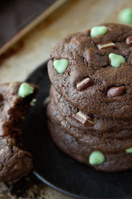 Death By Mint Chocolate Cookies - Life Made Simple