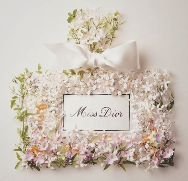 Glamorous floral table decor. Luxurious wedding with floral design. White floral theme with pink accents. www.apeventdesign.com