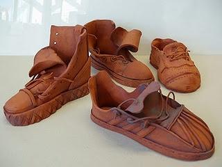 Joanne Bedient?: Art Lessons, Clay Sho, Art Class, Art Ideas, Art École, Ceramics Shoes, Shoes Art, Art Shoes, Beth Illustrations