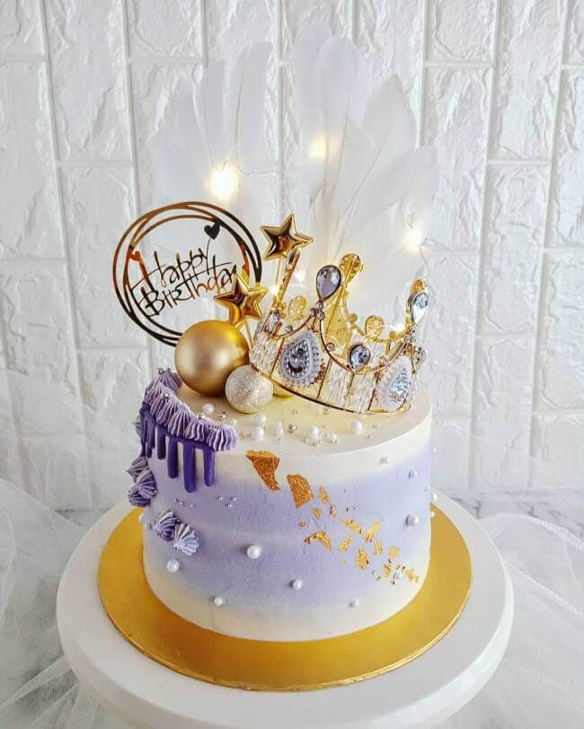 50 Queen Cake Design Cake Idea March 2020 In 2020 Queen Cakes Birthday Cake For Wife Cake Design