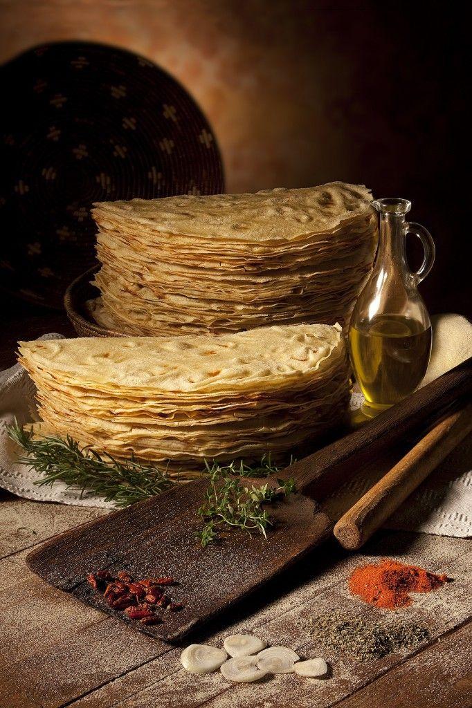 CARASAU TRADITIONAL BREAD http://www.hotelsinsardegna.org/gourmet/piatti-tipici/pane/