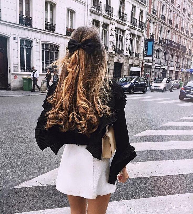Ribbon in hair is so pretty <3