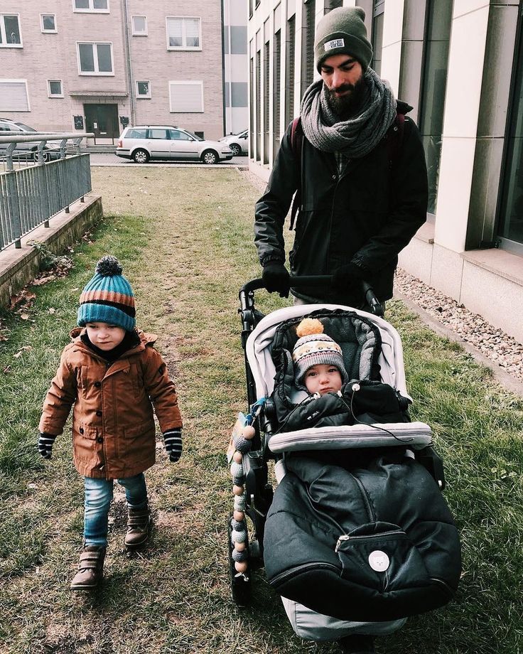 Morning routines with the boys!  #morning #goodmorning #cold #boy #boys #baby #babyboy #bebe #crew #family #stroll #commute #stroller #buggy #cochecito #concord #kinderwagen #concordneo #rutine #morningrutine #repost @kena_lein