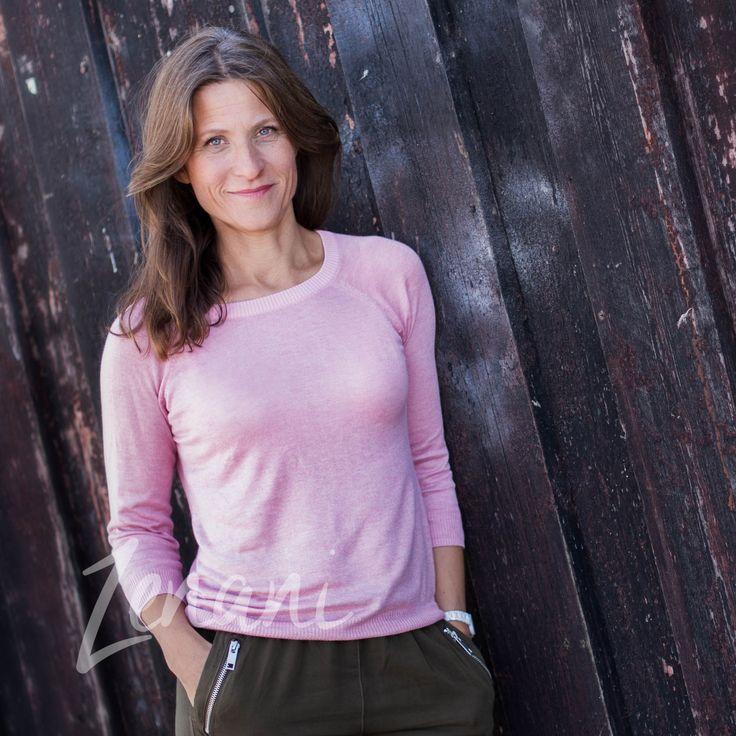 Portrait of woman in pink, portrait on location, business portrait