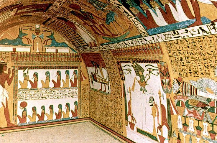 Acá podemos apreciar como quedaban las pinturas en los muros. Usaban mayormente el fresco pero también trabajaban el temple, el encausto y a veces también el esmalte en joyas, amuletos, escarabeos, estatuillas de respondientes y azulejos de revestimiento en muros interiores.