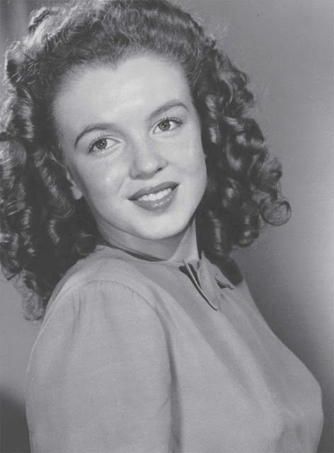 vintage everyday: Rarely-Seen Images Reveal How Bored Housewife Norma Jeane Became a Model-of-the-Moment, Before She Became the Legendary Marilyn Monroe