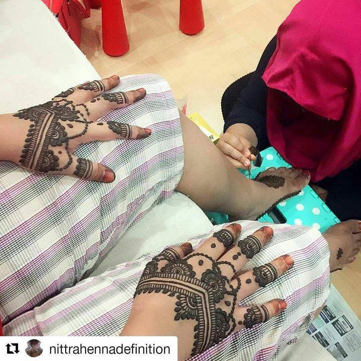#follow@hennafamily #hennafamily #Repost @nittrahennadefinition  @Regrann from @mrsranggi -  Half way done yet still look so gorgeous! Gracias #3moredaystogo  #henna #mandala #mehndi #mehendi #mehdi #mendi #mehendiart #freehand #art #artist #hennafamily #girlyhenna #hennainspire #inspiredhenna #inricate #design #dubai
