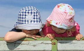 Selbst genähter Sonnenhut - Step by Step mit dieser Anleitung. Gesehen auf: http://www.leben-und-erziehen.de/allgemein/selbst-genaehte-sonnenhuetchen