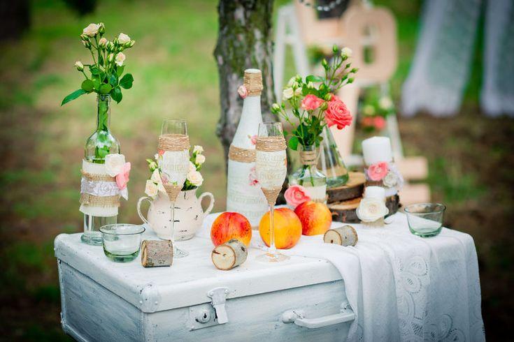 Scopri come riciclare oggetti vintage per organizzare un matrimonio shabby chic seguendo le ultime tendenze e sfruttando il fai da te