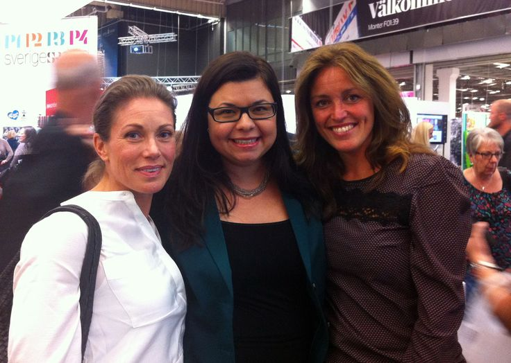 Authors Personal trainer Malin Schultz and health personality Ulrika Davidsson with me in the middle