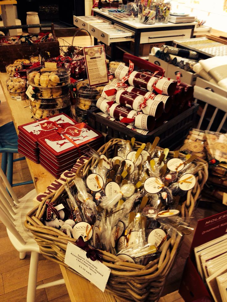 Christmas has arrived at Örling and Wu, shop our gourmet chocolate, Kusmi tea and handmade shortbreads!