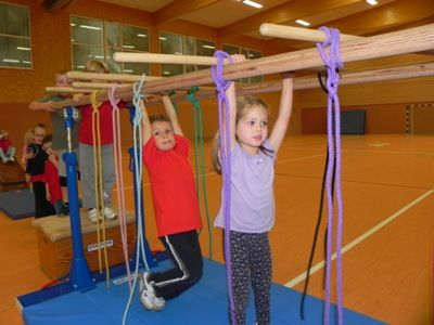 2012-09 Kinderturnen 4-6 J 008.JPG (400×300)