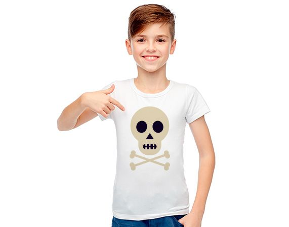 Camiseta infantil personalizada de poliéster. Calavera. Pirata.