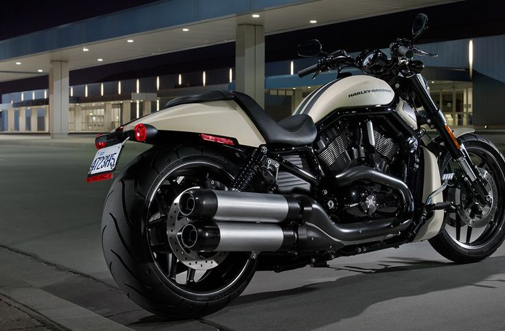 2014 motosikletleri, v-rod, night rod special, yarış pisti performansı, gösterişli cadde stili