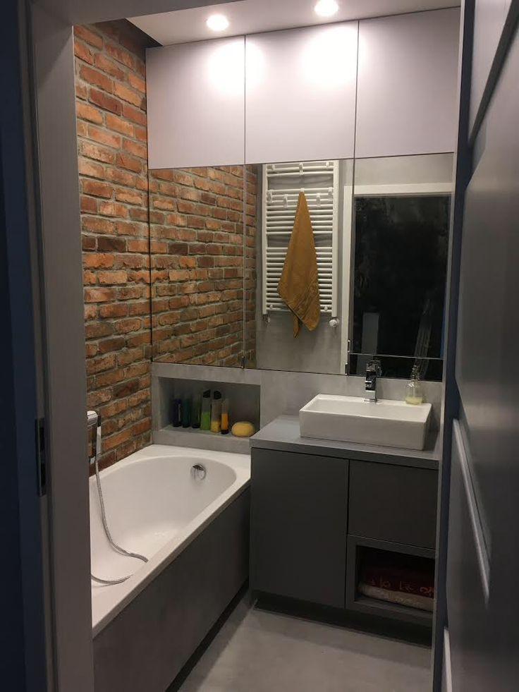 zabudowa z lustrami oraz szafka łazienkowa z dwoma szufladami otwieranymi na dotyk mirror cabinet and bathroom cabinet with two drawers open to the touch #zabidowa #szafka #cabinet #wardrobe #łazienka #bathroom #lustra #mirrors #szuflady #decor #design #meble #nawymiar #furniture #dom #home #mieszkanie #instaphoto #stolarz #warszawa #warsaw #poland
