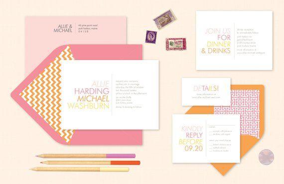 Heldere zomer bruiloft uitnodigingen in roze en oranje. Trendy bruiloft uitnodigen voor zomer bruiloften. Stoutmoedig