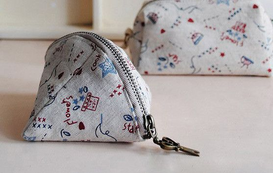 Make A Small Dumpling Coin Purse  •  Free tutorial with pictures on how to sew a fabric pouch in under 60 minutes