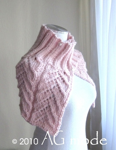 Rosaura cowl-capelet pattern by Andrea Graciarena ...