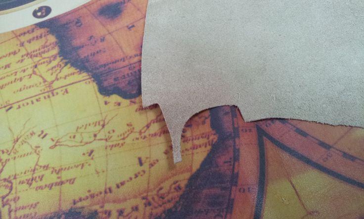 • veoma bitan faktor u digitalnoj štampi na tekstilu je kvalitet materijala na kojem se štampa • ukoliko tekstil na kome se štampa ima previše dlačica po površini neće se postići maksimalni kvalitet štampe kao ni maksimalna otpornost na pranje. • Najbolji rezultati se postižu na 100% pamuku gramature veće od 160 grama. • Materijal za štampu ne sme da bude tretiran po površini za štampu nikakvim silikonom ili omekšivačem.