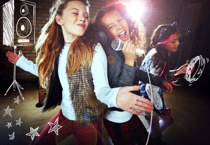 New: Upbeat Music at Et Patati Patata in our Fun French February Day camp 2017! 13-17 February 2017! 9am-3pm. Chante, prends ton micro et enregistre ton disque en francais. C'est l'attitude rock'nroll Et Patati Patata! Having fun while you're making music in french! Book your french camp! Tel: 07966 893674