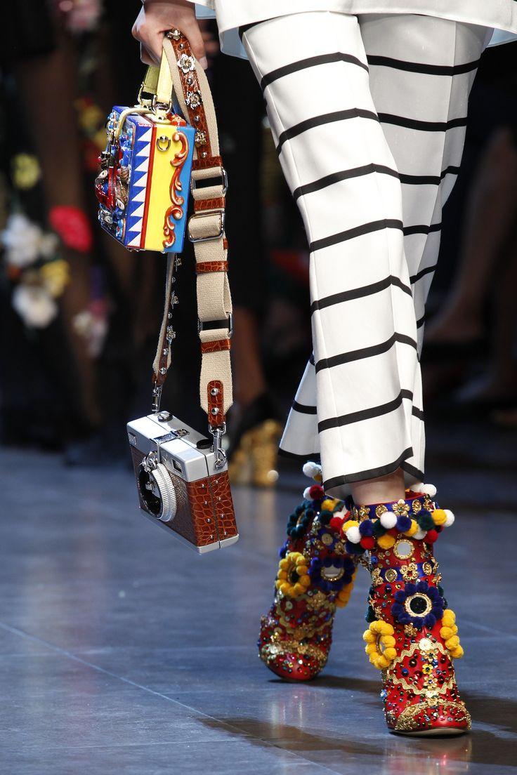 #Farbbberatung #Stilberatung #Farbenreich mit www.farben-reich.com Dolce & Gabbana Spring 2016 Ready-to-Wear Accessories Photos - Vogue