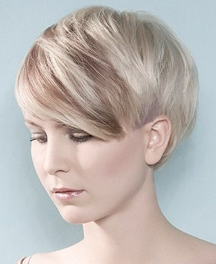 I love this!! It's got long bang with and long sides but cut short. Should be easy to grow out and looks just awesome! #cut #color #hairstyle #pixiecut #short #trendy #hair #style