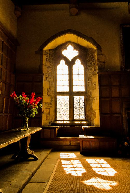 bluepueblo:  Arched Window, Haddon Hall, Derbyshire, England photo via theenglish