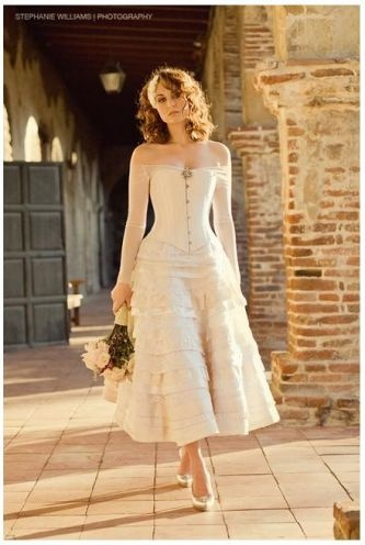 Love this tea length dress, would be adorable in white with boots for my winter wedding!