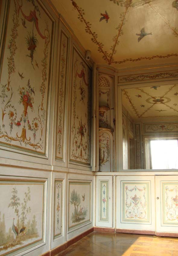Wash room rambouillet 20-Chateau Rambouillet-The Shell Cottage