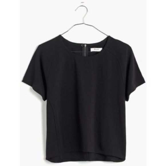 Madewell Structured Boxy Crop Top Black XS Stretchy and substantial, this cropped T-shirt has sleek curved seams and a covered back zip. Boxy, semi cropped fit. Covered zipper goes almost half way down back. 100% Cotton. Madewell Tops Crop Tops