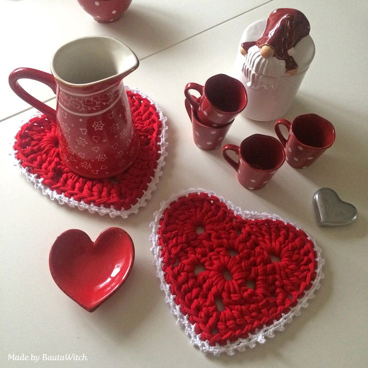 Crochet Christmas hearts Made by BautaWitch
