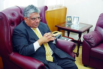 Zambia Reports publishes more trash, tries defaming Dr. Rajan Mahtani https://goo.gl/dJorse