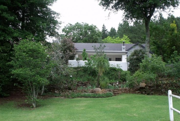 Smallholding for sale in Currys Post. This is the life – Majestic Lions River. The living is easy in this impressive farm in a majestic part of Lions River with dams, forests, water features, immaculate gardens and much more…
