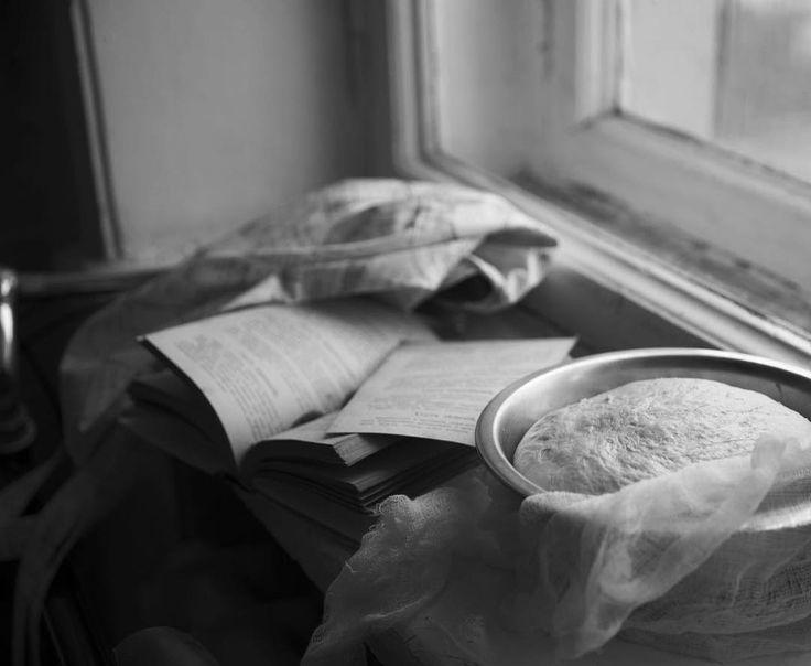 Ох какие я вам нашла в ночи вкусные ссылки - от рецептов неочевидных постных блюд до макаронс в виде мишек-мимимишек))) это и другое добро уже на sweetslab.ru/blog И не забывайте что там же есть магазин не только сладостей но и ингредиентов и наших фирменных форм. Welcome P.S. А я бегу по тысяче дел хотя нет-сижу с открытой дверью машины в  попытке пошевелить ногами посте второй ТАКОЙ тренировки. Запрет на активный спорт подошёл к концу пора заканчивать жизнь овоща by kkristisha_sweetslab