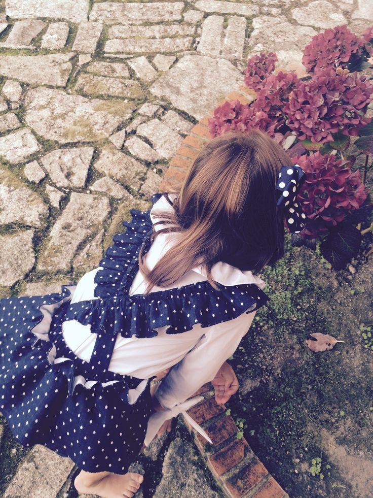 """""""Ranita-peto"""" en color marino con pequeñas motas blancas. 2015"""