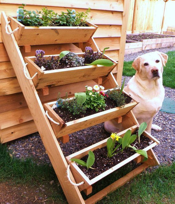 Great idea for growing up! Vertical garden planter by Roped on Cedar