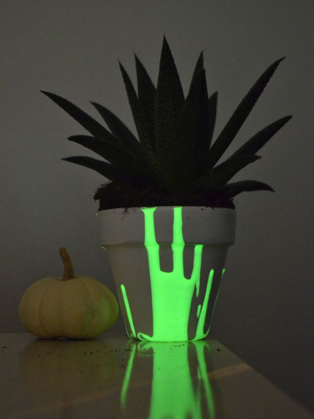 DIY Glow-in-the-Dark Planters: You'll never go back to a boring old terra-cotta pot again after making this cool, glow-in-the-dark planter. #planter #glowinthedark