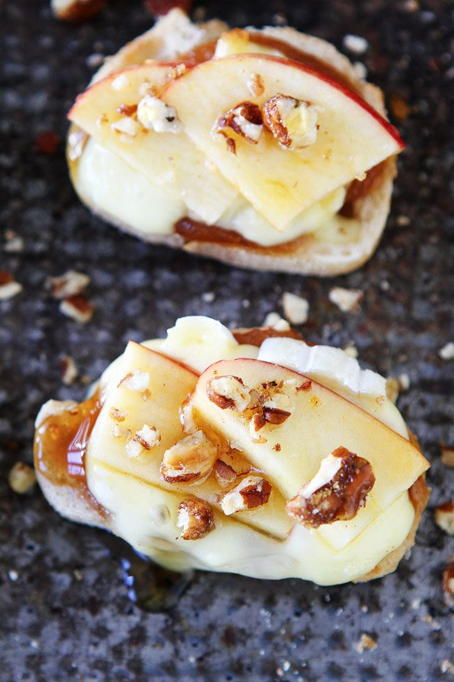Brie, Apple, and Honey Crostini Recipe on twopeasandtheirpod.com This easy appetizer is perfect for holiday parties! Your guests will LOVE it!