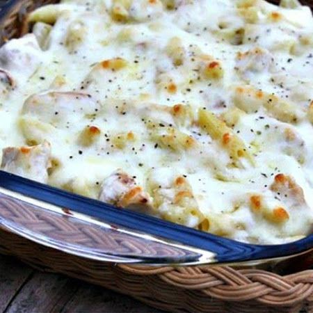 Chicken Alfredo Casserole... Made this tonight! It turned out amazinnnnng